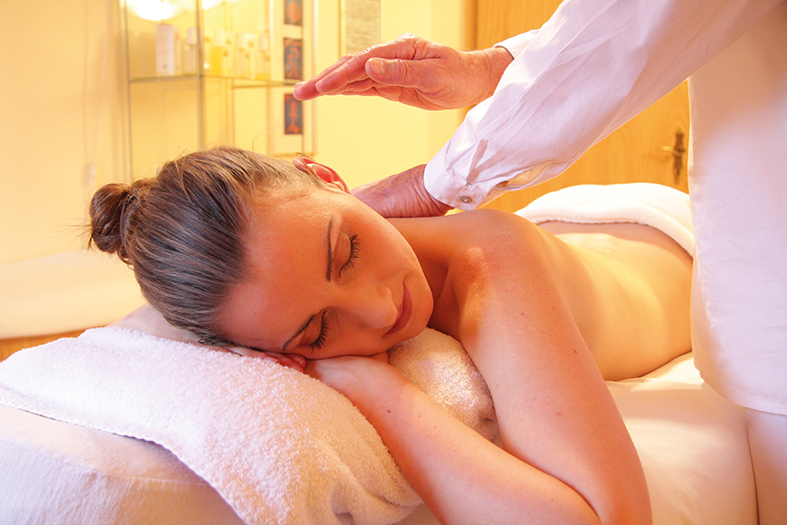 Massage_Frau_3_web