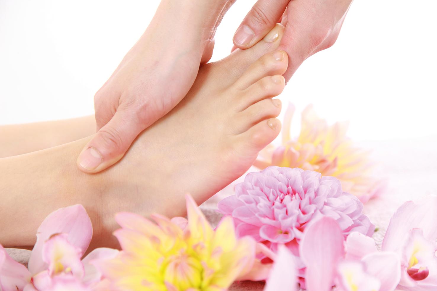 31943111 - foot massage